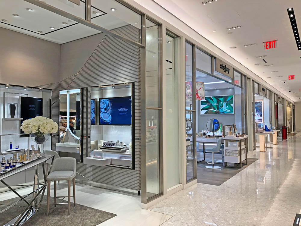 """Stainless Steel + Glass Partitions. Saks 5th Ave611 5th Avenue - New York, NYArchitect: Gensler"""