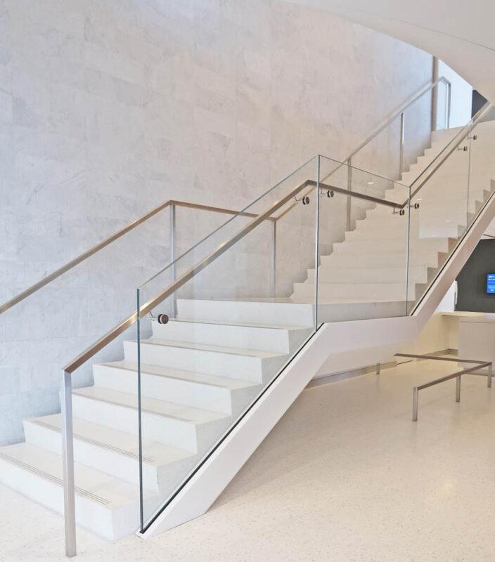 Custom Laminated Glass Guardrails + Handrail.Skadden 1 Manhattan West - New York, NYArchitect: STUDIOS Architecture
