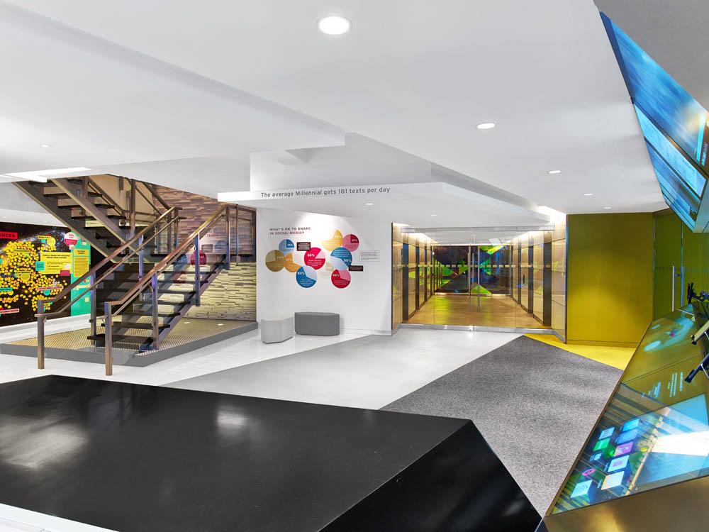 Custom Laminated Glass Guardrails + Handrail.Viacom  New York, NYarchitect: MdeAs Architects